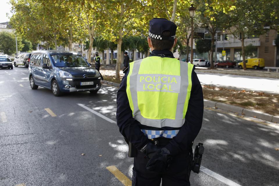 Camargo convoca seis plazas de policía local y una de arquitecto