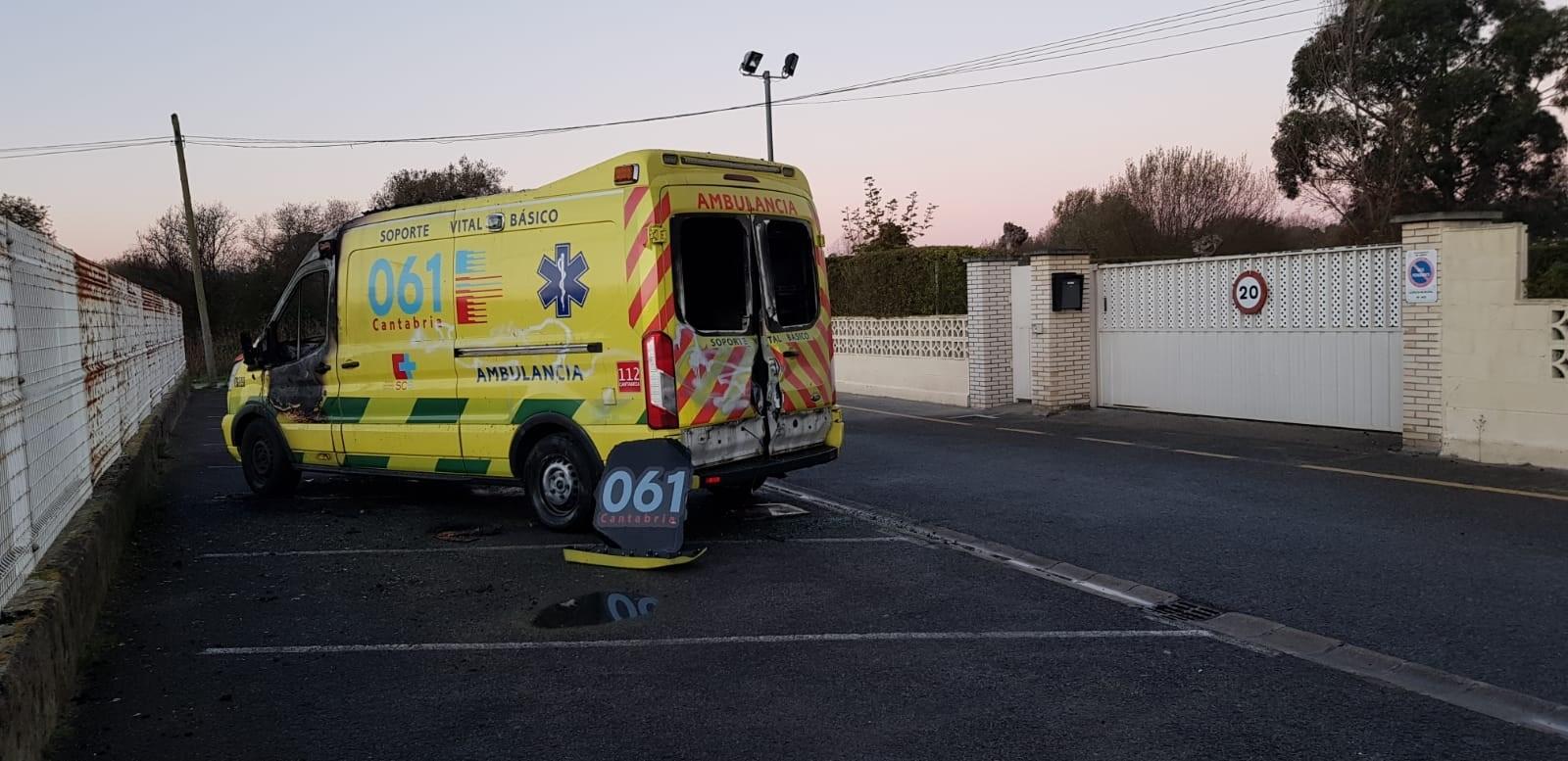 Ambuibérica denuncia la quema de una ambulancia en Laredo esta pasada noche