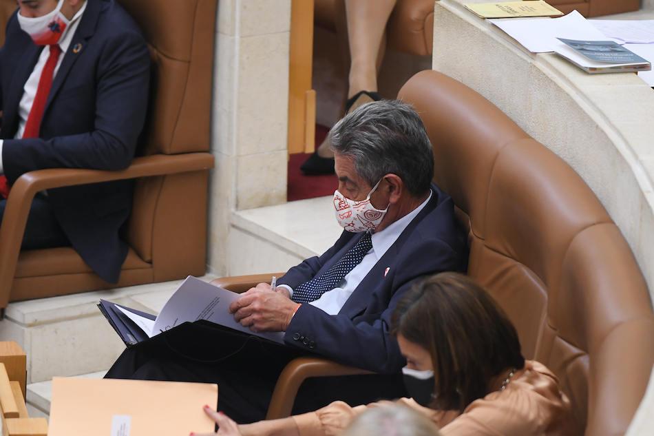 El Parlamento cántabro rechaza la ley Celáa