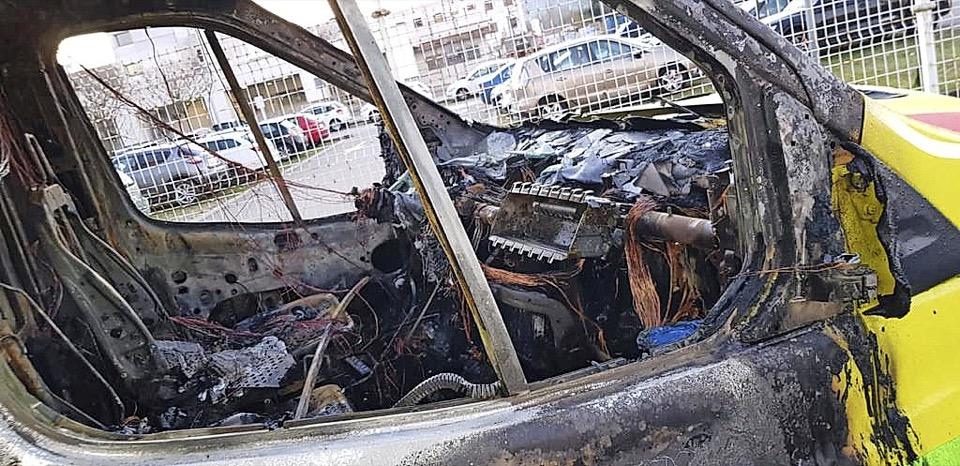 UGT considera «intolerable» que Ambuibérica vincule sin pruebas la quema del vehículo a los empleados