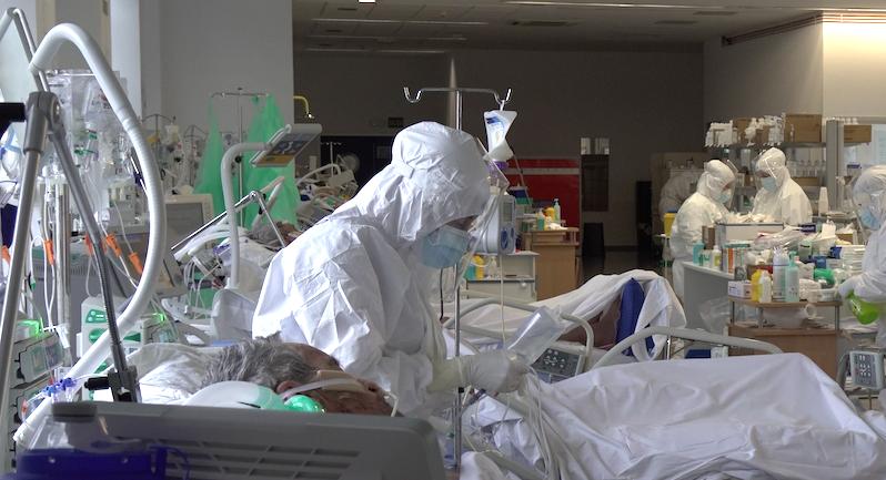 Seis fallecidos más en Cantabria, con más hospitalizados y más pacientes en la UCI