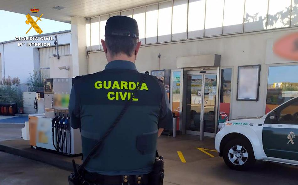 La Guardia Civil desarticula un grupo criminal que presuntamente estafó cerca de 135.000€