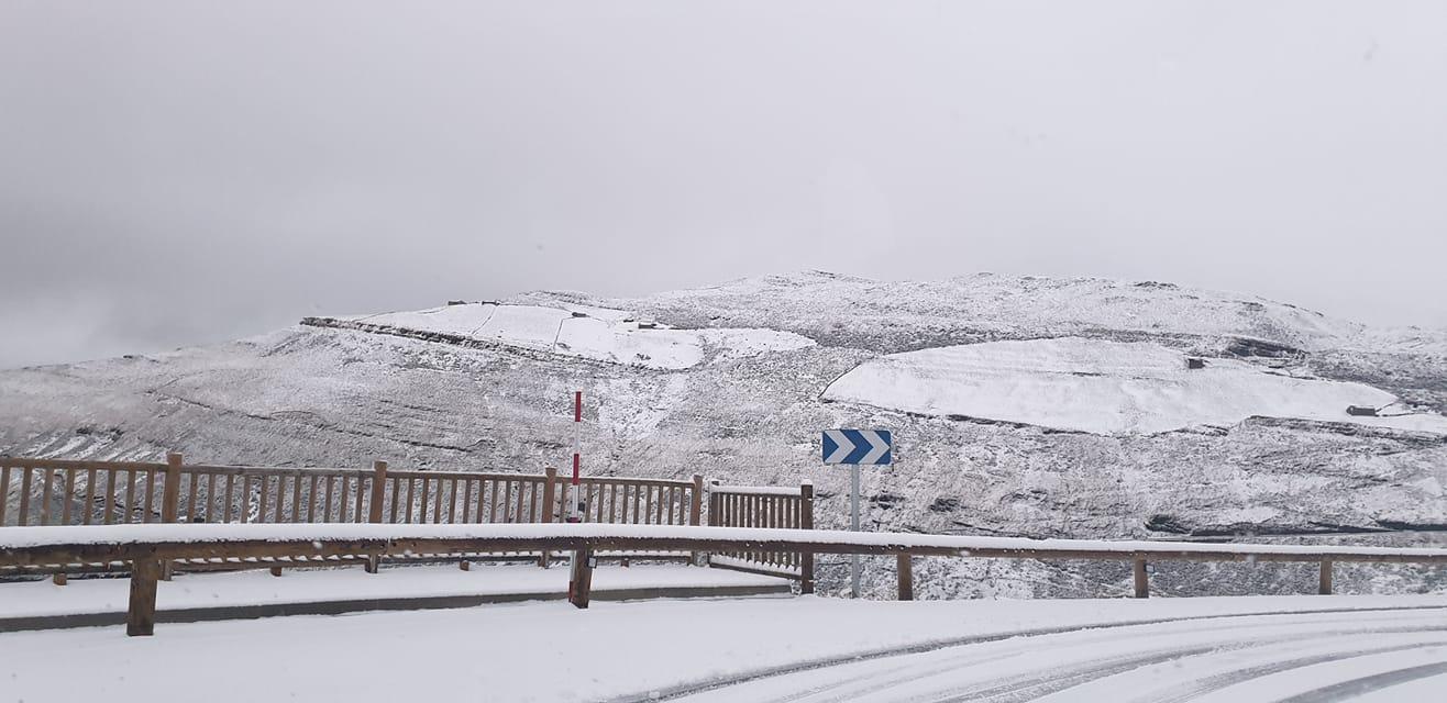 Cerrados Lunada y Estacas de Trueba por la nieve y precaución en La Sía