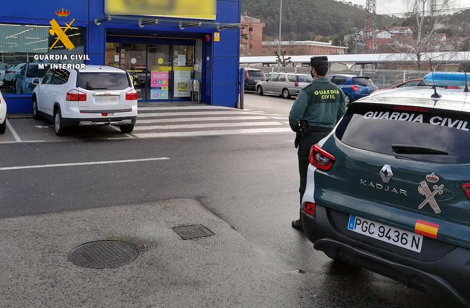 La Guardia Civil investiga a la responsable de un establecimiento de Castro por comprar productos hurtados