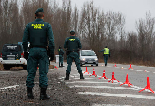 La Guardia Civil intensifica los controles de alcohol y drogas a conductores