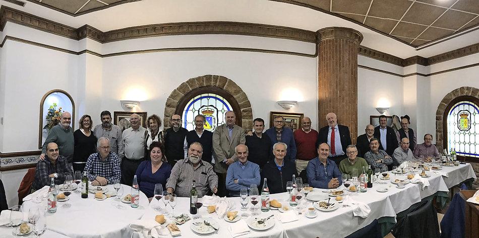 La Cofradía del Hojaldre de Torrelavega celebró su reunión mensual en La Villa de Santillana - Alerta