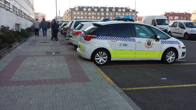 La Policía  denuncia a cinco personas y dos locales por incumplir las medidas Covid