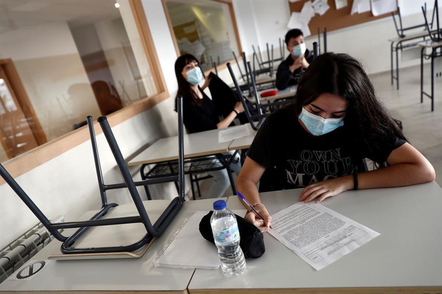 Cantabria mantiene siete aulas en cuarentena