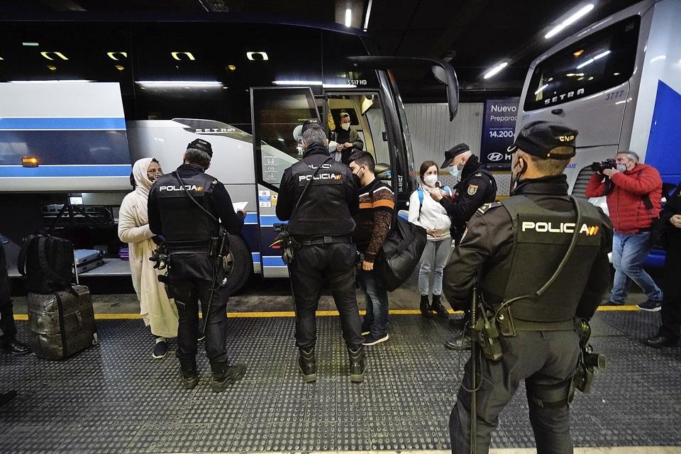 Madrid, Extremadura y Canarias levantan el cierre perimetral