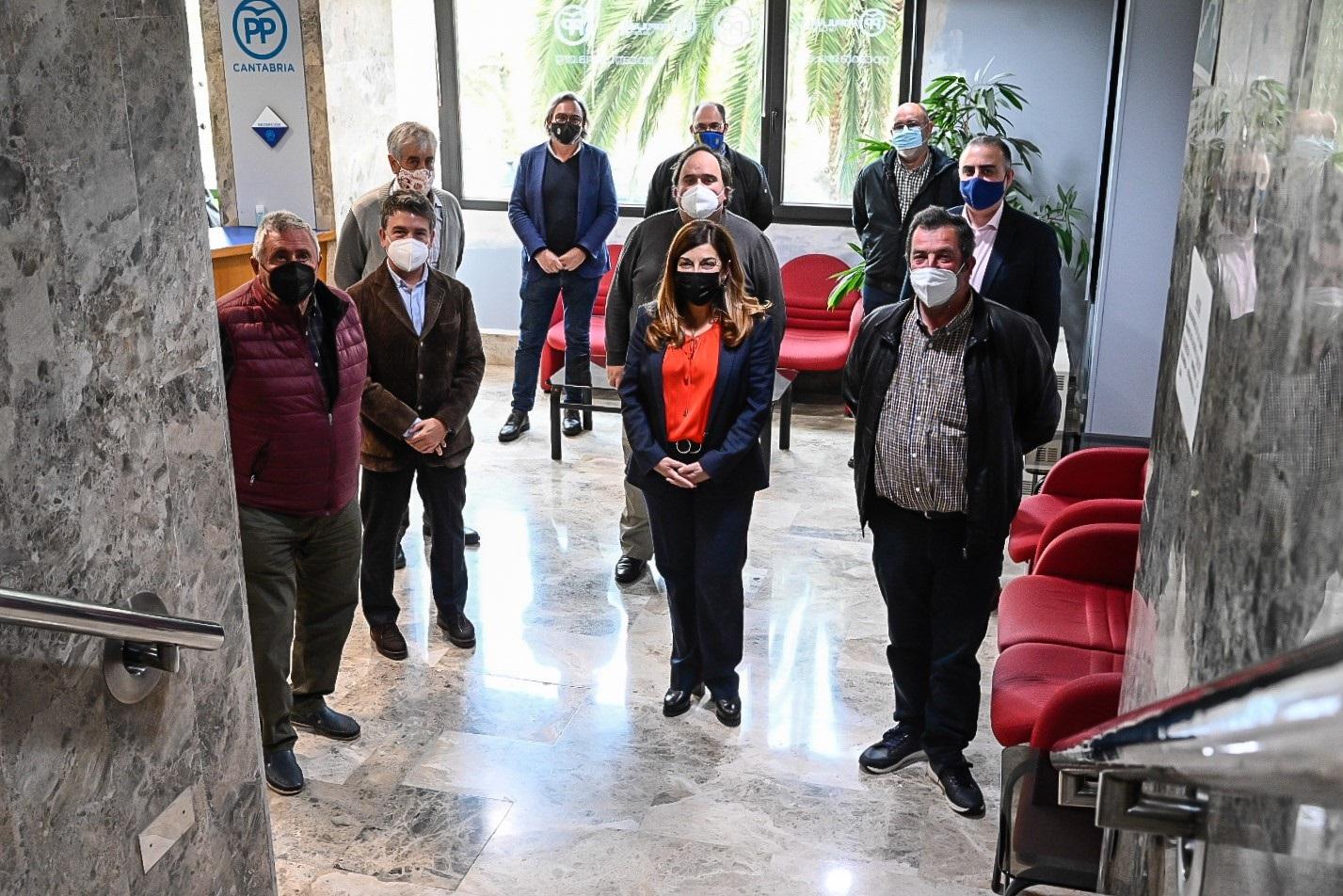"""PP pide a presidente de Cantabria que deje su """"ambigüedad"""" y presente alegaciones contra el parque eólico de Ribota"""