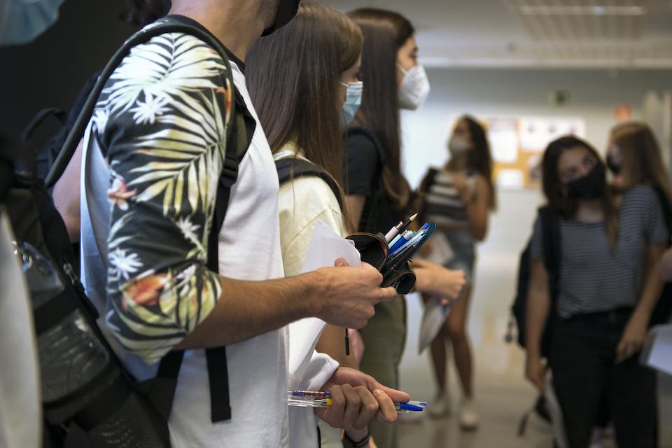 Sanidad detecta 31 casos de Covid-19 y 232 en investigación por fiestas de fin de curso y la EBAU