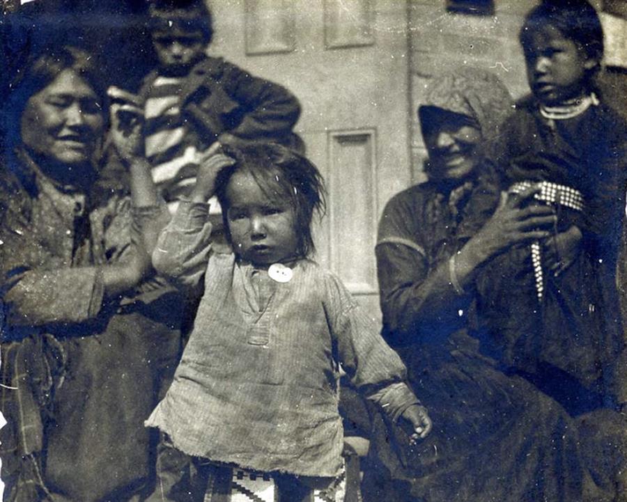 Niños indígenas canadienses