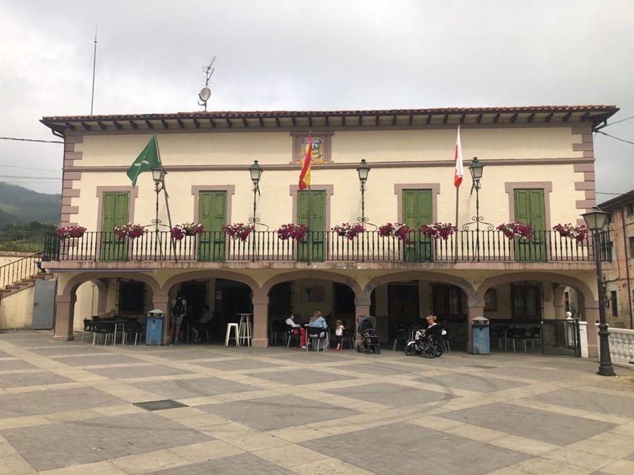 Castro Urdiales renovará la cubierta y las ventanas del antiguo edificio de la Junta Vecinal de Otañes